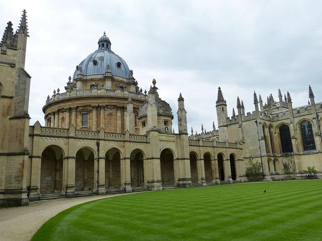 オックスフォード大学
