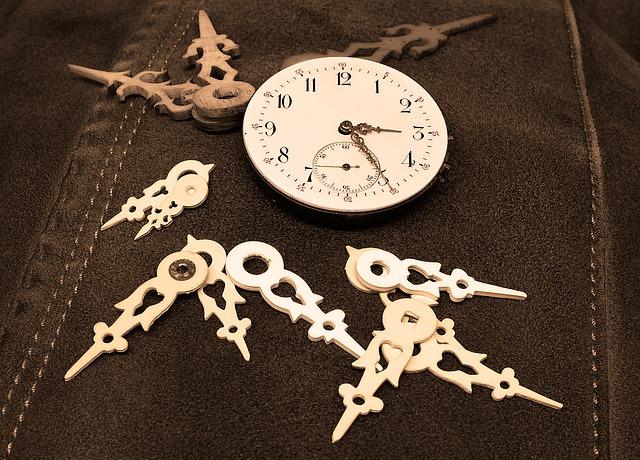 clock-1205052_640