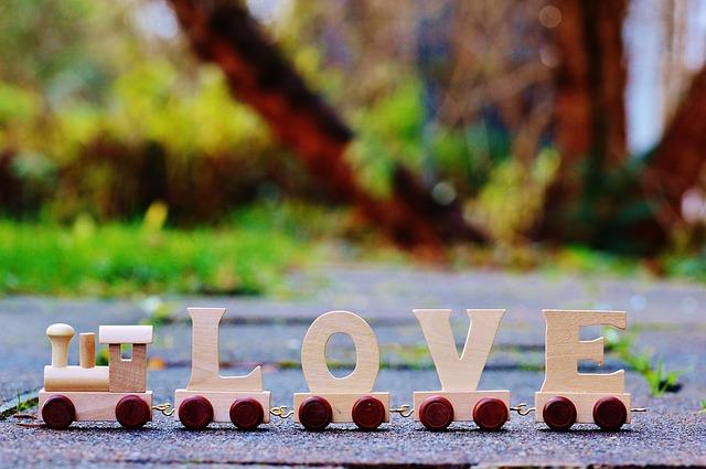 love-1098756_640