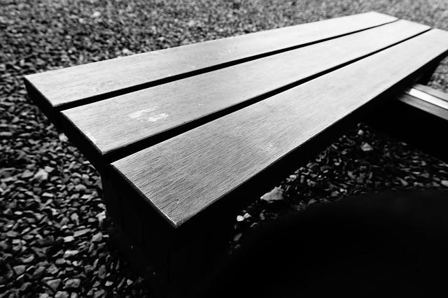 chair-843178_640