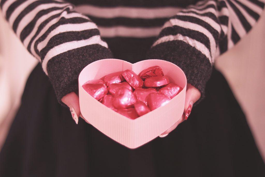 バレンタインチョコの渡し方は?